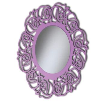 Specchiera ovale traforata laccata.